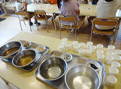 和食の出汁のうまみを飲み比べ